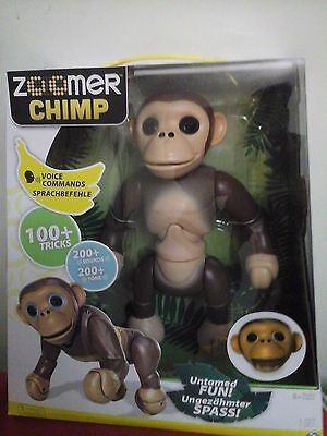 Zoomer Chimp BNIB   Over 100 Tricks + 200 sounds  RRP 119.99, FAST & FREE DELIVE