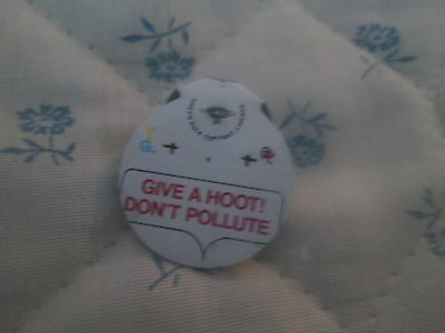 Give a Hoot Don't Pollute Vintage fold-over button