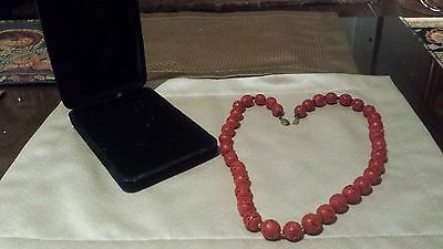 Stunning Vintage Chinese Cinnabar Carved Bead Necklace