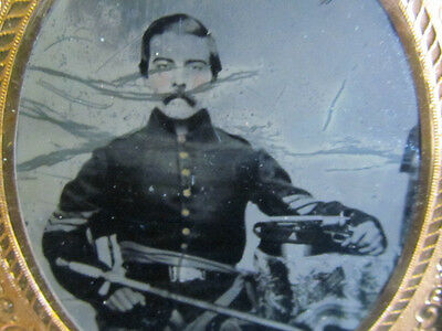 2nd Michigan Infantry soldier with sword & pistol tintype & veterans items