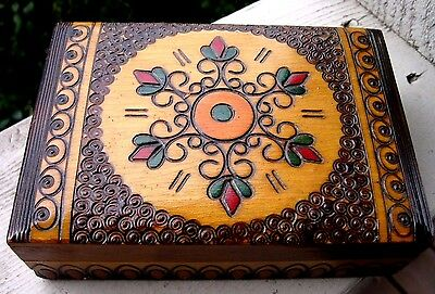 Vintage Hand Carved Wood Trinket Jewelry Box Folk Art Primitive Flowers Colorful