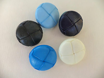 Pack of 10 Childrens Plastic Football Buttons - Choice of Colour and Size