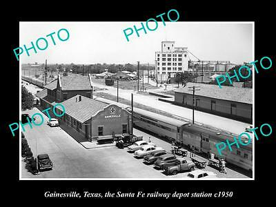 OLD LARGE HISTORIC PHOTO OF GAINESVILLE TEXAS, THE SANTA FE RAILROAD DEPOT c1950
