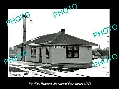 OLD LARGE HISTORIC PHOTO OF PENGILLY MINNESOTA, THE RAILROAD DEPOT STATION c1950