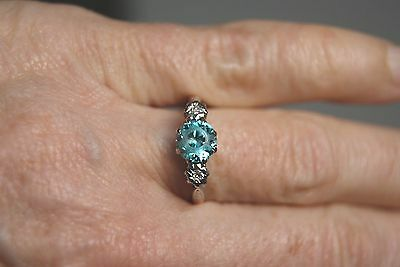 VINTAGE 1950's 18 CT Y GOLD + PLAT NATURAL BLUE ZIRCON AND DIAMOND  RING N1/2