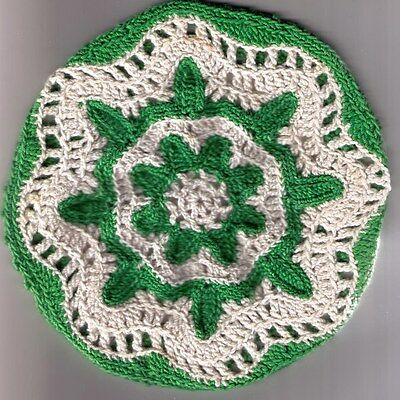 Vintage Crocheted Lid Cover - Green  & White