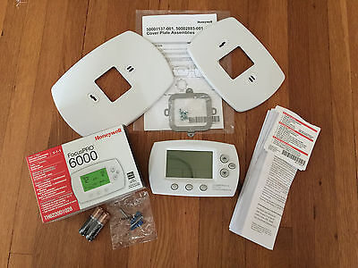 Brand New! HONEYWELL FOCUS PRO 6000  TH6220D1028 Thermostat With Cover Plates!!
