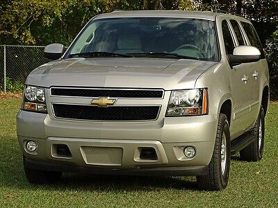 2007 Chevrolet Suburban  07 CHEVY SUBURBAN K2500 LT 4X4 6.0L ONE OWNER XTRA CLEAN SUV CARFAX CERTIFIED!!