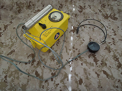 ANTON V-700 model #5 CD radiation detector w/headset and wand