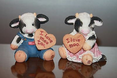 Lot 2 1994 Enesco Mary's Moo moos Collectible Figurines Valentine Themed Rhyner