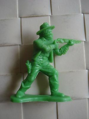 Cereal Toy Wild West Figures R & L 1960s - Rifleman