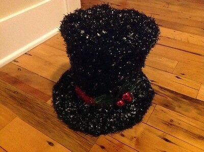"Black Garland Wire Frame 9"" Snowman Hat"