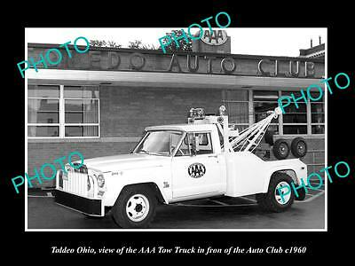 OLD LARGE HISTORIC PHOTO OF TOLEDO OHIO, THE AAA TOW TRUCK AT AUTO CLUB c1960