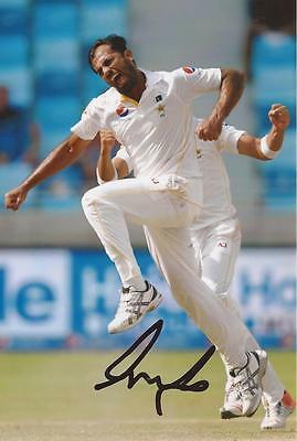 PAKISTAN: WAHAB RIAZ SIGNED 6x4 TEST ACTION PHOTO+COA
