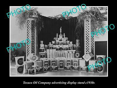 OLD LARGE HISTORIC PHOTO OF TEXACO OIL COMPANY ADVERTISING DISPLAY STAND c1950s