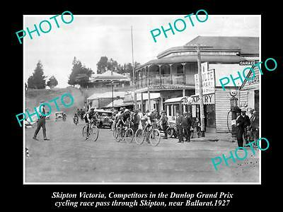 OLD LARGE HISTORICAL PHOTO OF SKIPTON VIC, DUNLOP BICYCLE RACE IN MAIN St 1927