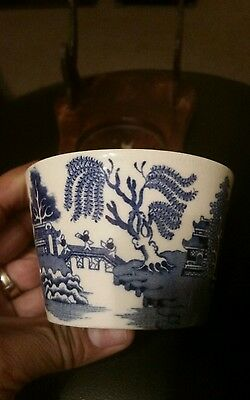 Vintage blue and white porcelain tea cup japanese scenes blue willow