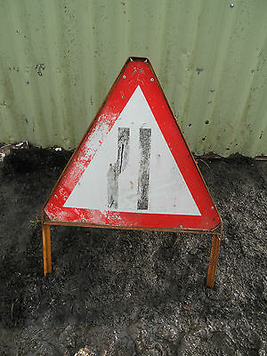 METAL Free STANDING Traffic A-BOARD ROADSIGN Road Sign - ROAD NARROWS Triangle
