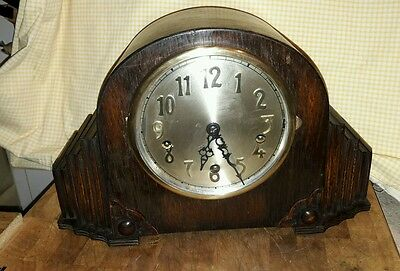 Great Looking Westminster Chime Matle Clock + Pendulum & Key In E.w.o Uk18