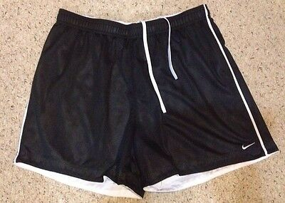 Boys/ Girls Youth Black Nike Shorts Size XL (16-18) Unisex