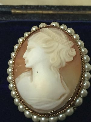 Pinchbeck Oval Antique/Vintage Carved Shell Cameo/Pendant With Pearl Surround