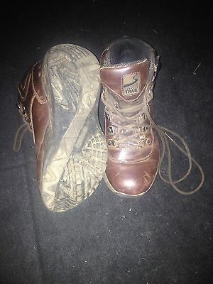 Childrens Hiking Boots Size 4