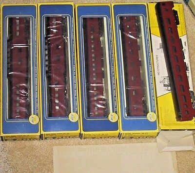 AHM Rivarossi PAINTED/UNLETTERED Smooth Side Passenger Car Set (5) w/ Transfers