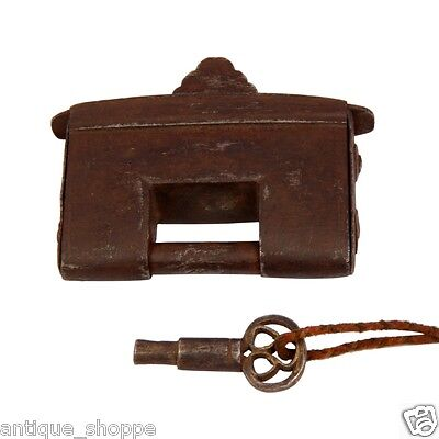 1800S Vintage Rare Old Hand Forged Iron Padlock With Original Round Key A53