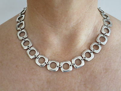 Tiffany & Co. Elsa Peretti Cushion Link Necklace with Toggle Clasp.  925 Silver