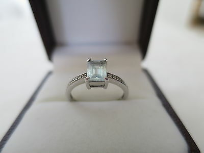 Genuine Aquamarine and Diamond 9ct White Gold Ladies Ring Aust size M