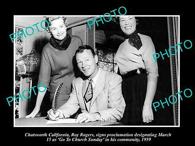 OLD LARGE HISTORIC PHOTO OF COWBOY ROY ROGERS WITH 'GO TO CHURCH'  ORDER c1959