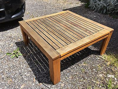 Outdoor coffee table - 'Mimosa'