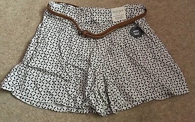 Marks And Spencer Girls Shorts With Belt 5-6 Years Nwt