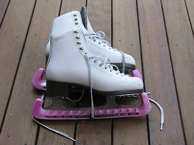 Women's Ice Skates GAM Size 9 and 2/3 - Equivalent to size 7