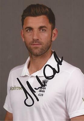 ENGLAND: LIAM PLUNKETT SIGNED 6x4 TEST PORTRAIT PHOTO+COA