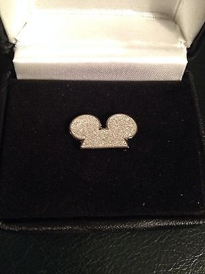 Disney Store Cast Member Mickey Ears One Year Service Pin In Original Boxes