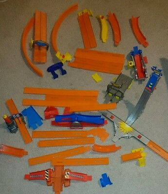 Hot wheels track builder with stunts