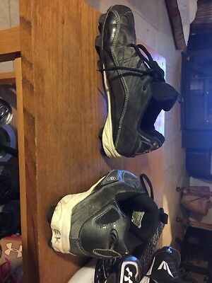 Rawlings Football Shoes Size  4.5 Shoes /  Cleats