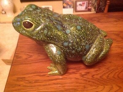 pottery frog