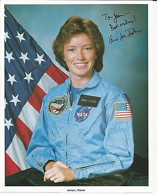 Astronaut Anna L Fisher signed photo
