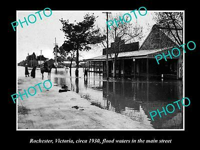 Old Large Historic Photo Of Rochester Victoria, Flood Waters In Main Street 1930