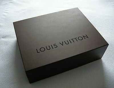 Classic LOUIS VUITTON medium brown gift / presentation box 26 x 35 x 12 cm