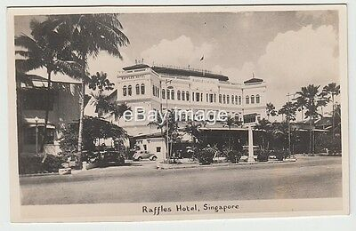 Singapore - Raffle Hotel  + old cars in driveway c.1950? RP postcard