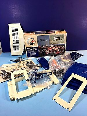O ga. K-Lineville #4021 Airport, NOS, never assembled  Terrific & COMPLETE