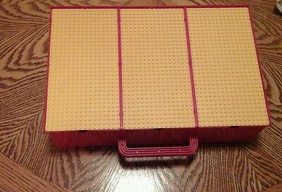 1989 LEGO Storage Carry Case with Base Plates & Includes 664 Legos Great cond.