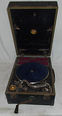 VINTAGE Geisha Wind Up GRAMOPHONE Record Player PORTABLE With HANDLE