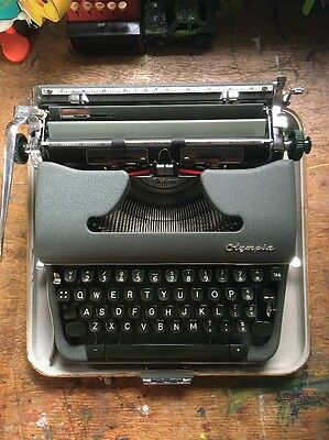 Vintage Olympia SM4 De Luxe Portable Manual Wide Carriage Typewriter VGC