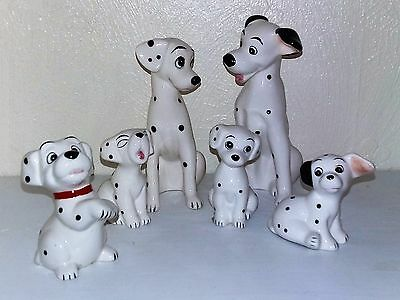 Disney Figurine Group From 101 Dalmations (6)