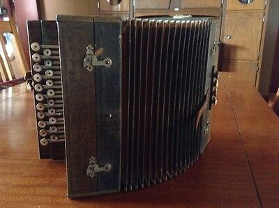 Vintage Concertina Squeezebox Accordion Old In Great Shape For Its Age Vintage