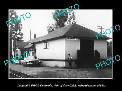 OLD LARGE HISTORIC PHOTO OF LADYSMITH BC CANADA, THE CPR RAILWAY STATION c1960